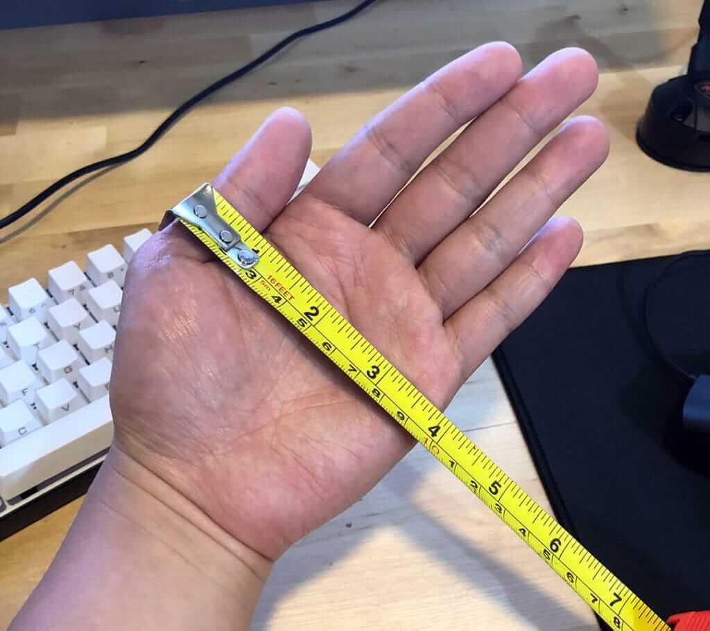 Đo chiều rộng bàn tay