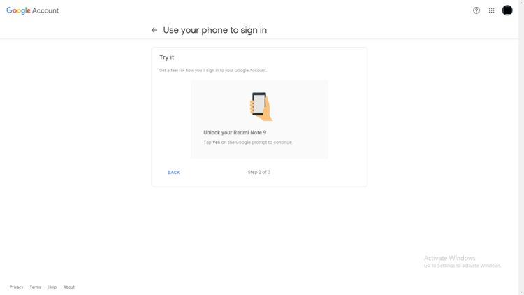 Lời nhắc của Google Hãy thử nhấn Có trên điện thoại của bạn