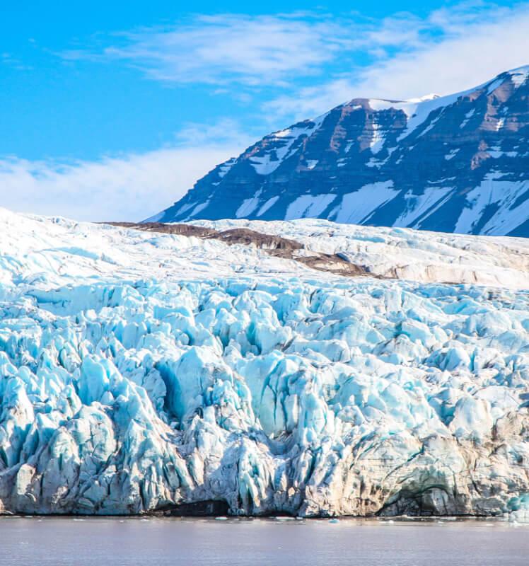 Ảnh về họa tiết trên sông băng ở Svalbard