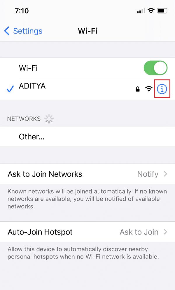 Nhấn vào biểu tượng màu xanh lam bên cạnh mạng Wi-Fi mà bạn hiện đang sử dụng. PC không hỗ trợ Miracast