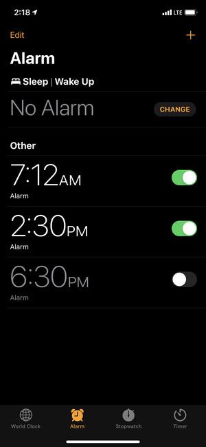 Màn hình báo thức trong ứng dụng Đồng hồ trên iPhone